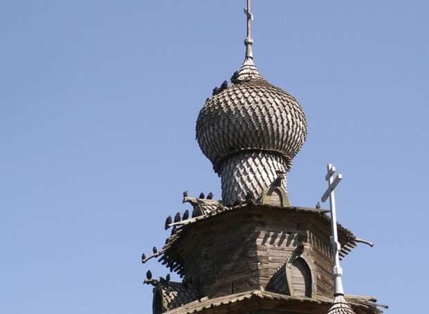 Один из куполов Суздальского храма.