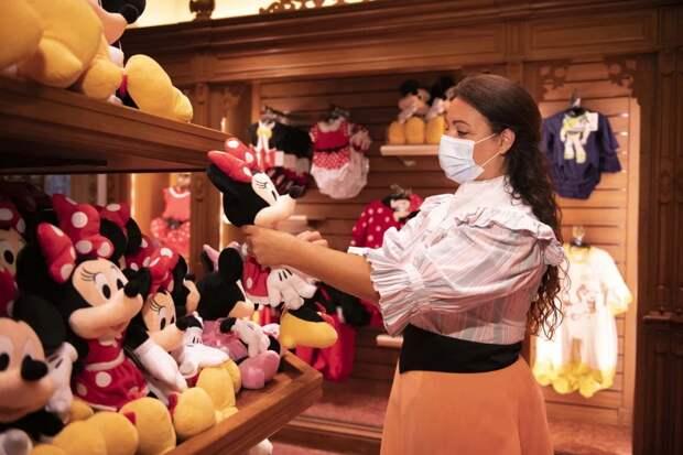 Сказка поправилам пандемии: Диснейленд вПариже открывает двери для посетителей