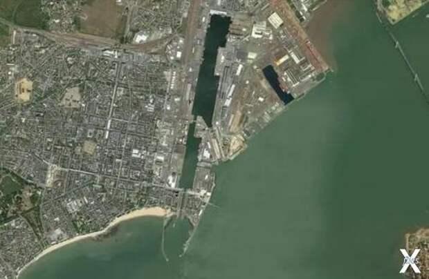 Сухой док города Сен-Назер – единстве...