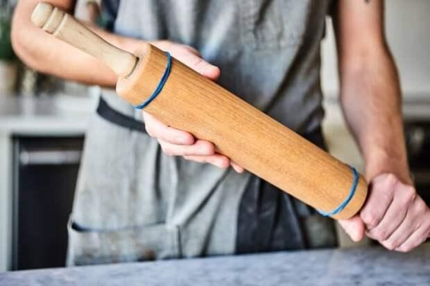 9 удивительных способов использования канцелярской резинки на кухне