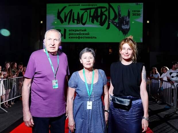 Андрей Смирнов с супругой Еленой и Анастасия Пальчикова