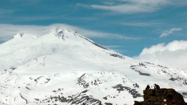 МЧС сообщило о спасении альпинистки на Эльбрусе