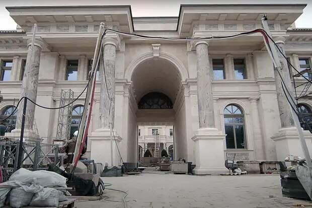 Назван предполагаемый владелец «дворца» в Геленджике