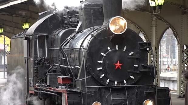 Парад паровозов в Петербурге поразил представителей всех поколений