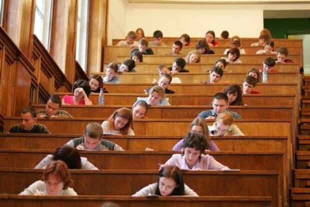 Сенатор Рязанский оценил инициативу о снижении ставки НДФЛ для работающих студентов