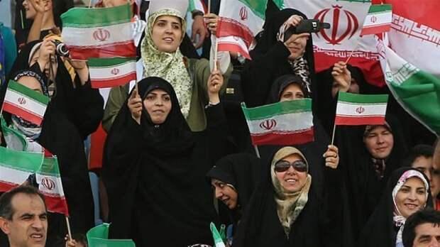 В Иране впервые почти за 40 лет на стадионы пустят женщин