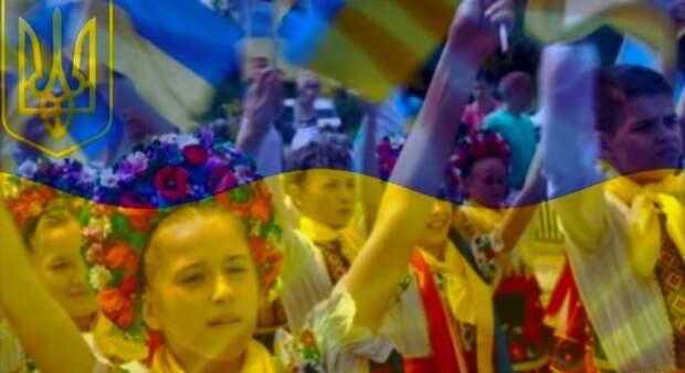 """Проект Зеленского о """"коренных народах"""" Украины стал поводом для обсуждений в России и странах СНГ"""