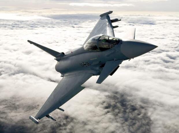 НаУкраину переброшены истребители НАТО Eurofighter Typhoon