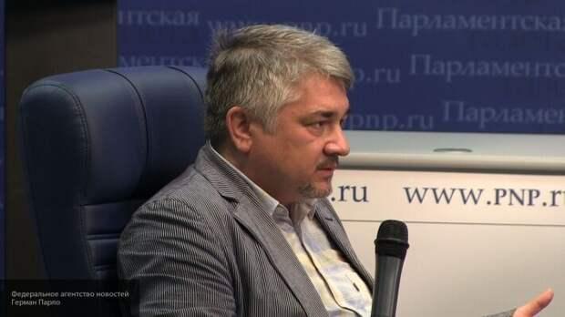 Ищенко назвал причины, по которым Украина вынуждена вводить санкции против России