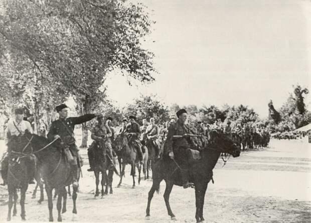 Казаки 4-го гвардейского Кубанского кавалерийского корпуса