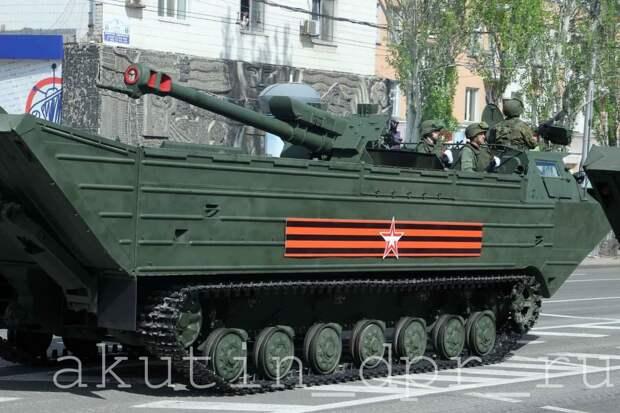Репетиции военных парадов. Донецк, Луганск, Севастополь, Москва