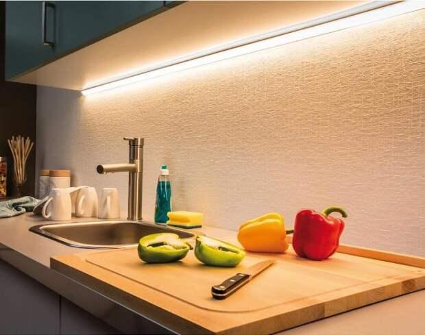 Подсветка столешницы на кухне: типы ламп и варианты размещения (50 фото)