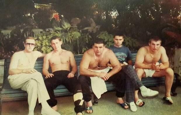 Эти 4 банды из Екатеринбурга 90-х могли позволить себе то, на что не осмеливался даже клан Сопрано