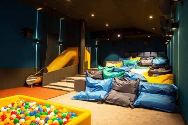 Необычный кинотеатр в Швейцарии (6 фото)