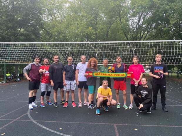 Команда «Дрим Тим» выиграла кубок Марьиной рощи по волейболу