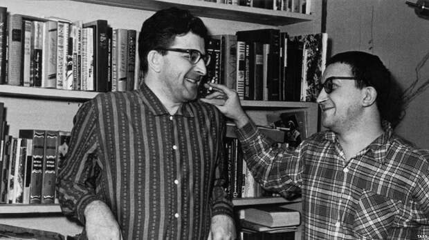 История братьев Стругацких: ох, и здоровые же они были ребята!