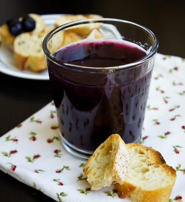5 рецептов с «королевой русских лесов» черникой