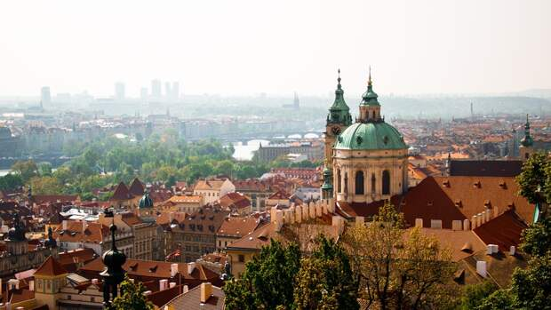 Российский посол прибыл в МИД Чехии