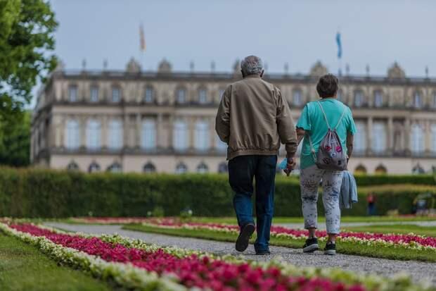 В Марьиной роще возобновили «Пеший лекторий» для пенсионеров
