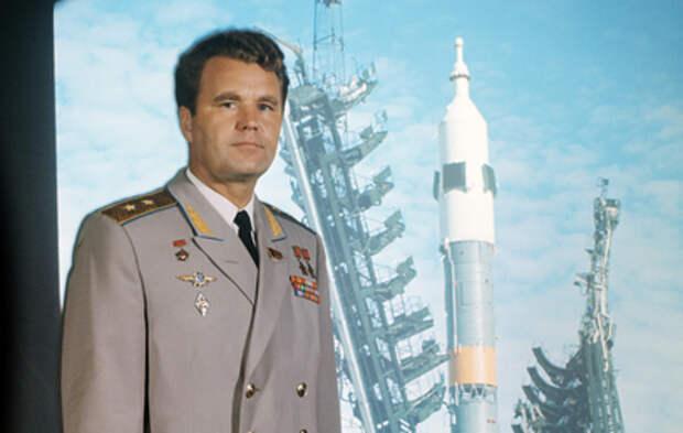 Умер дважды Герой Советского Союза, космонавт Владимир Шаталов
