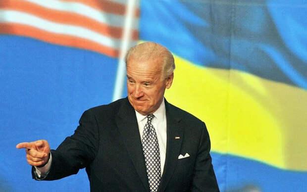 По факту в Киеве и Вашингтоне президентские кресла пусты