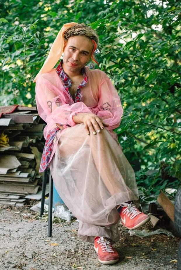 6 ярких фото украинских геев-казаков, которые живут на Запорожской Сечи