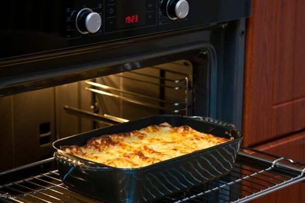 Используя полный функционал духовки, можно значительно улучшить качество блюд. /Фото: i.pinimg.com