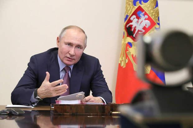 Путин заявил, что «жаждущего власти» Навального использовали