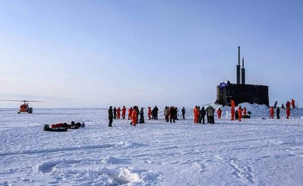 Отмороженные уши: США опять собрались патрулировать Арктику у границ России