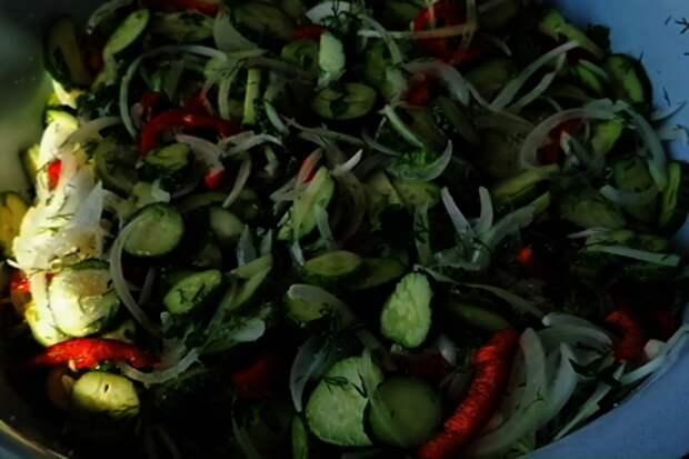 Летний салат на зиму: фото шаг 4