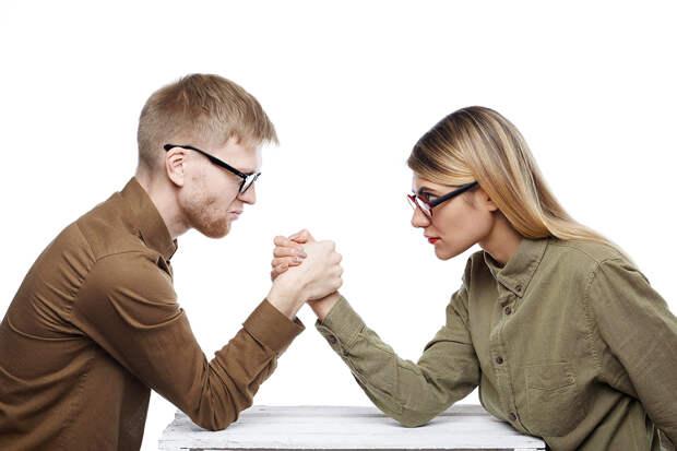 Почему женщинам реже удаётся построить карьеру, чем мужчинам