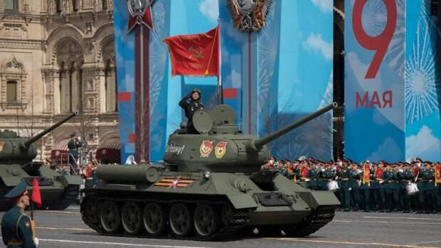 Российские пользователи Сети прониклись величественной мощью парада Победы в Москве
