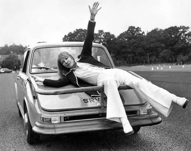 Курьёзный «автомобиль – совок» оказался более опасным, чем обычные машины
