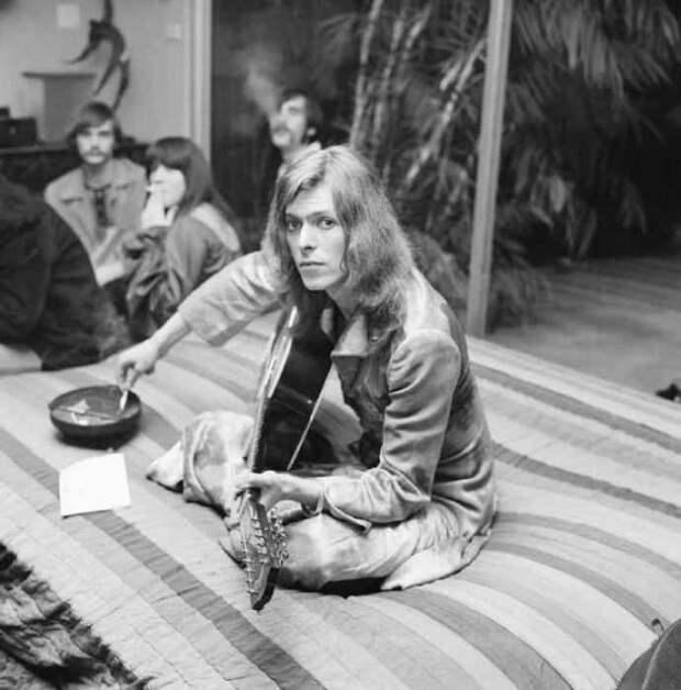 Музыкальный джэм на вечеринке в Лос-Анджелесе, 1971 год.