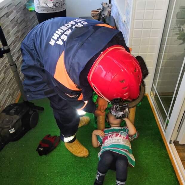 В Глазове ребенок застрял в домике для кошек