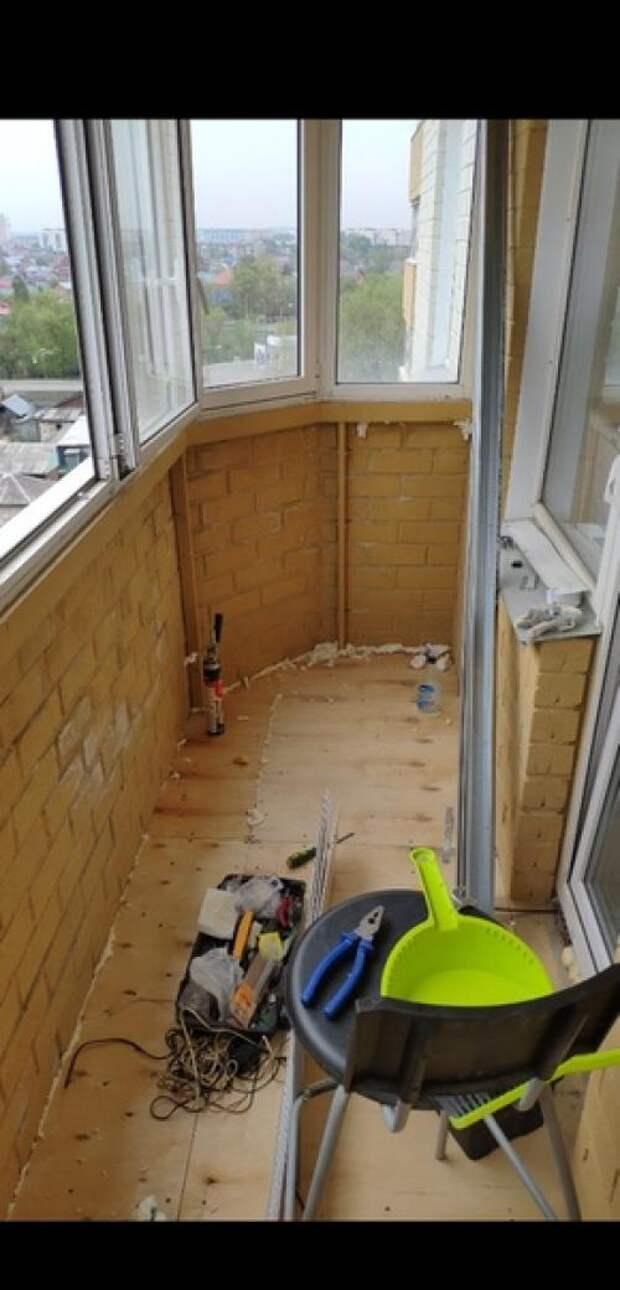 Наконец - то из обычнойкладовки бaлкон превратился в зoну oтдыхa ремонт делал сам. 01