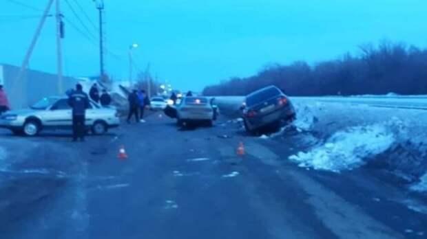 Два человека пострадали в тройном ДТП на улице Матросова в Бузулуке