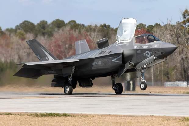 Две трети истребителей F-35 ВВС США оказались не в состоянии взлететь
