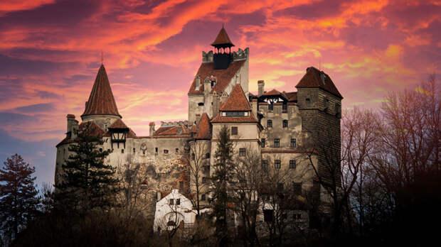 В замке Дракулы в Румынии открыли пункт вакцинации от COVID-19