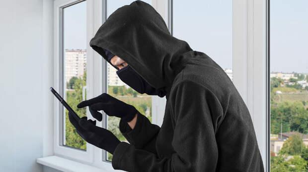 Как несколькими фразами разоблачить телефонных мошенников, пояснил экс-сотрудник МВД