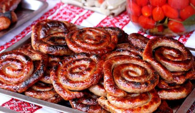 Домашняя колбаса: только проверенные рецепты из мяса и птицы