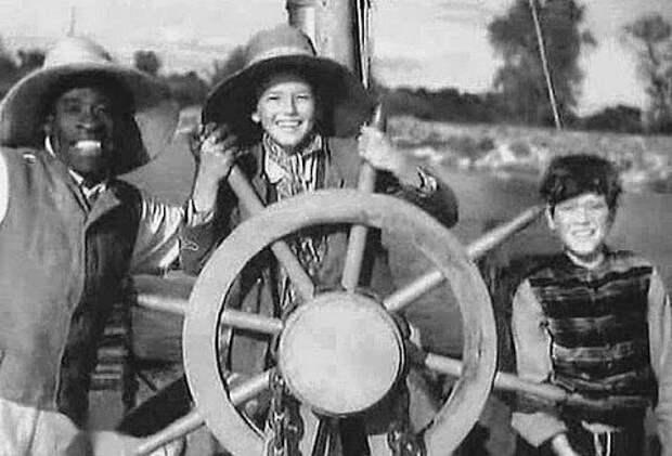 """Кадр из кинофильма """"Том Сойер"""" (1936) - из свободных источников"""