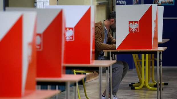 В Польше из-за коронавируса перенесены президентские выборы