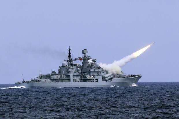 Сатановский: Береговая охрана Китая готова атаковать корабли США