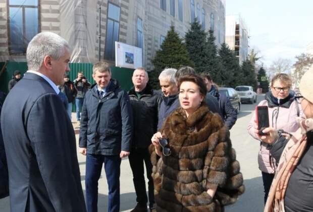 Министр культуры Крыма продолжит материться на рабочем месте