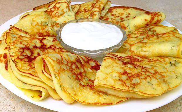 Жарим драники как тонкие блины: добавляем в блинное тесто картофель
