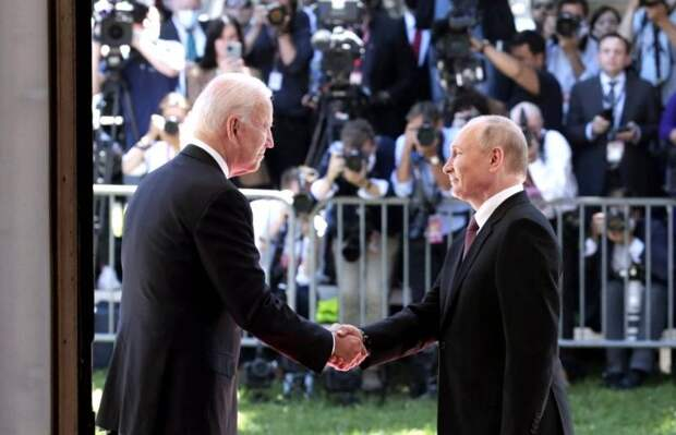 Парадоксальный союз: Путин с Байденом против Джонсона и американской оппозиции