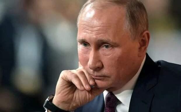 """""""Говорящая голова"""" и настоящий Президент"""