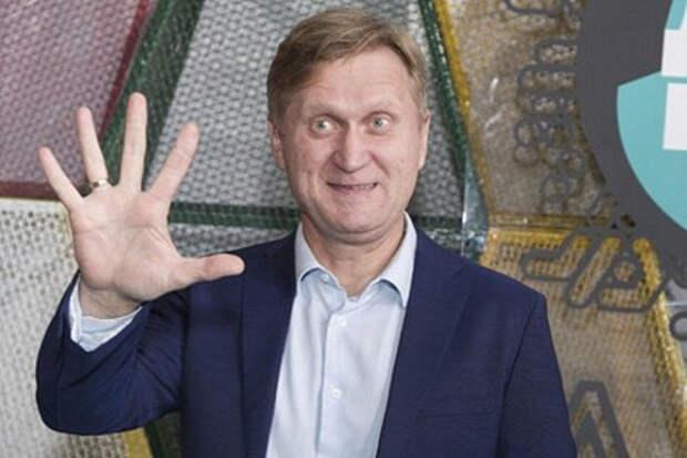 Звезда «Уральских пельменей» пошел работать напарковку