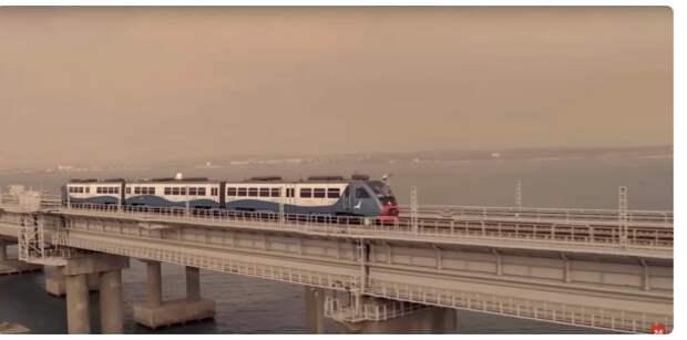 В какой стране сделан поезд, на котором Путин открыл Крымский мост?